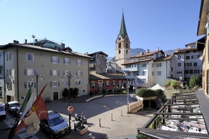 Trento - Piazzetta B. Lunelli 14